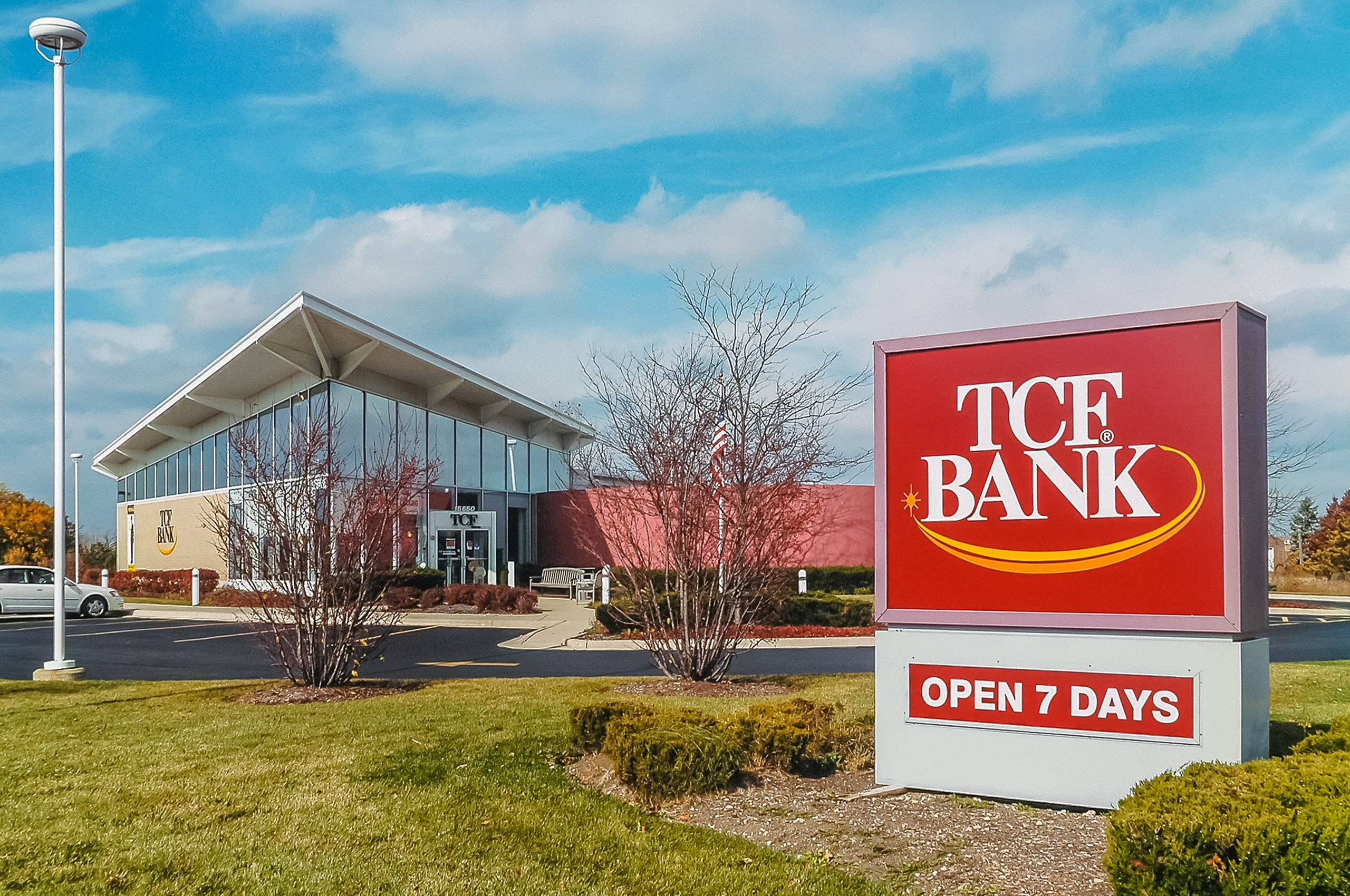 TCF Bank Orland Park. Prices, scheduling and policies.