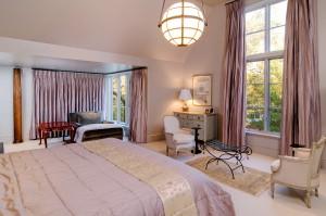 Pink master bedroom
