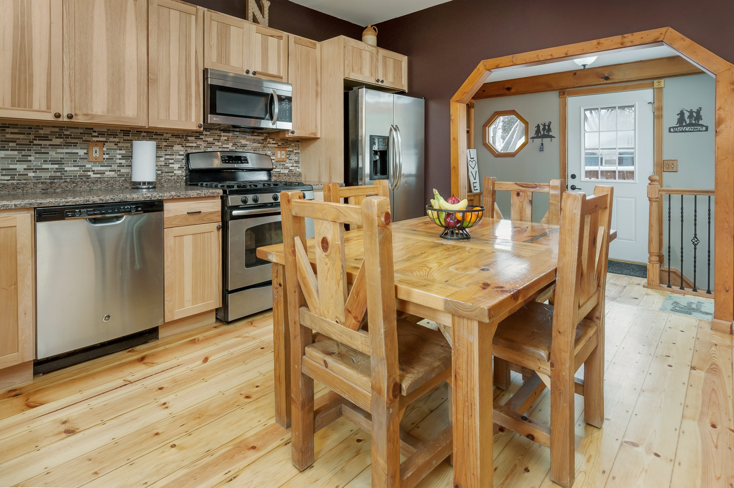 Classy country kitchen in Sandwich, Illinois
