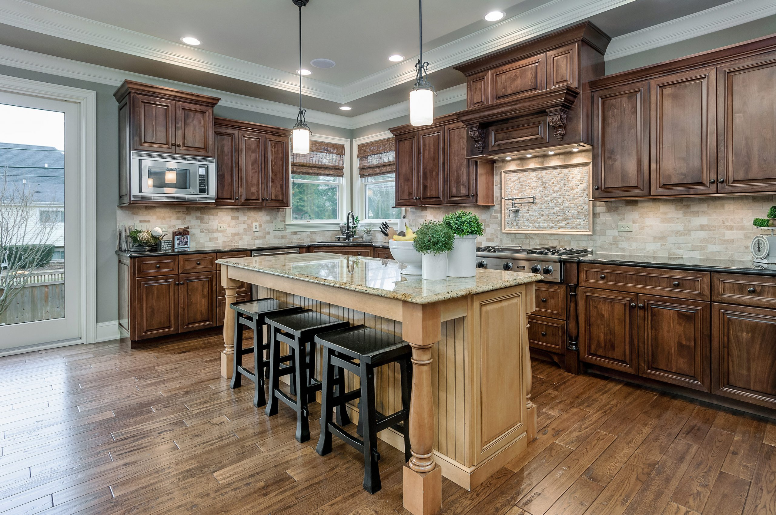 Luxurious, spacious kitchen in Naperville, IL luxury home.