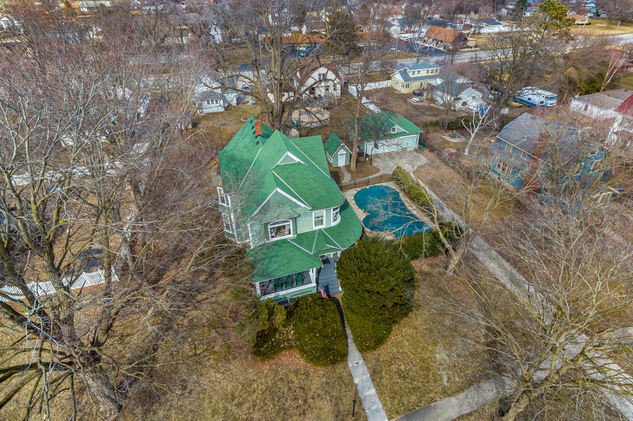 Chicago suburban real estate aerial image of 420 E. DeKalb St., Somonauk, Illinois