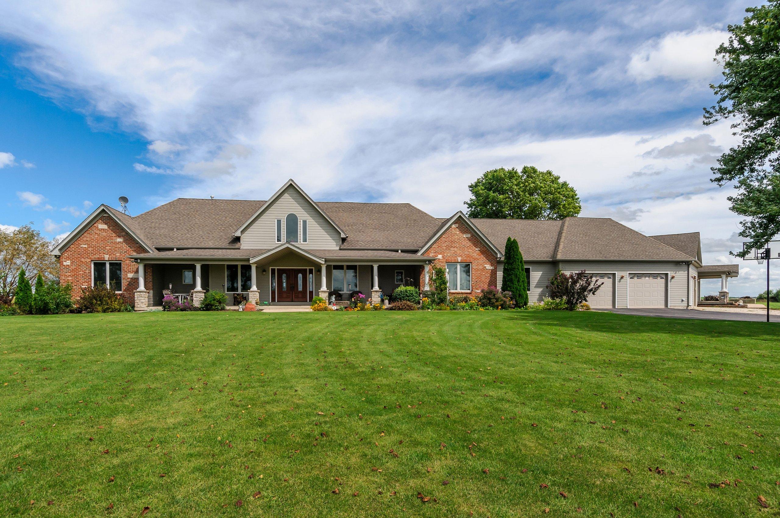Massive rural estate home in Somonauk, Illinois. About me.