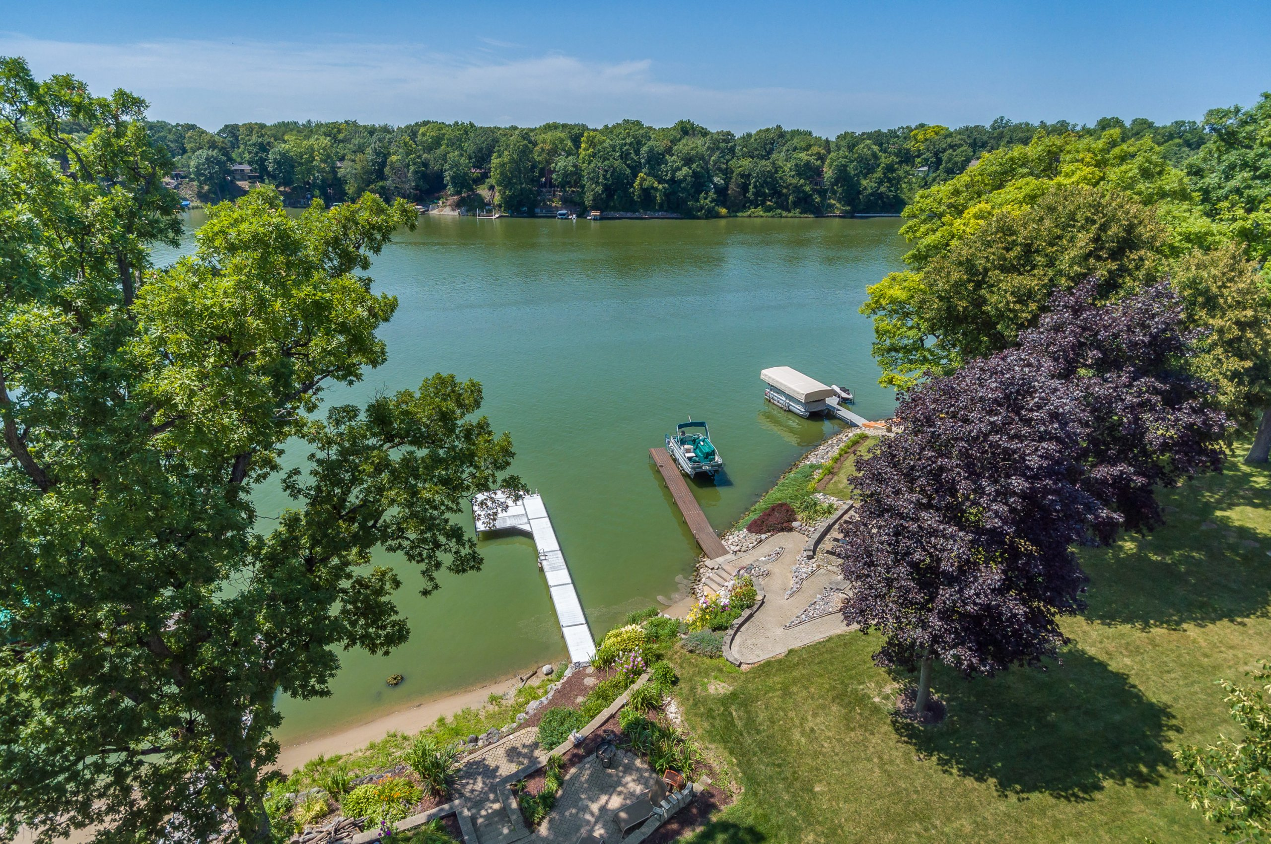 Drone aerial of Lake Holiday, Sandwich, IL.